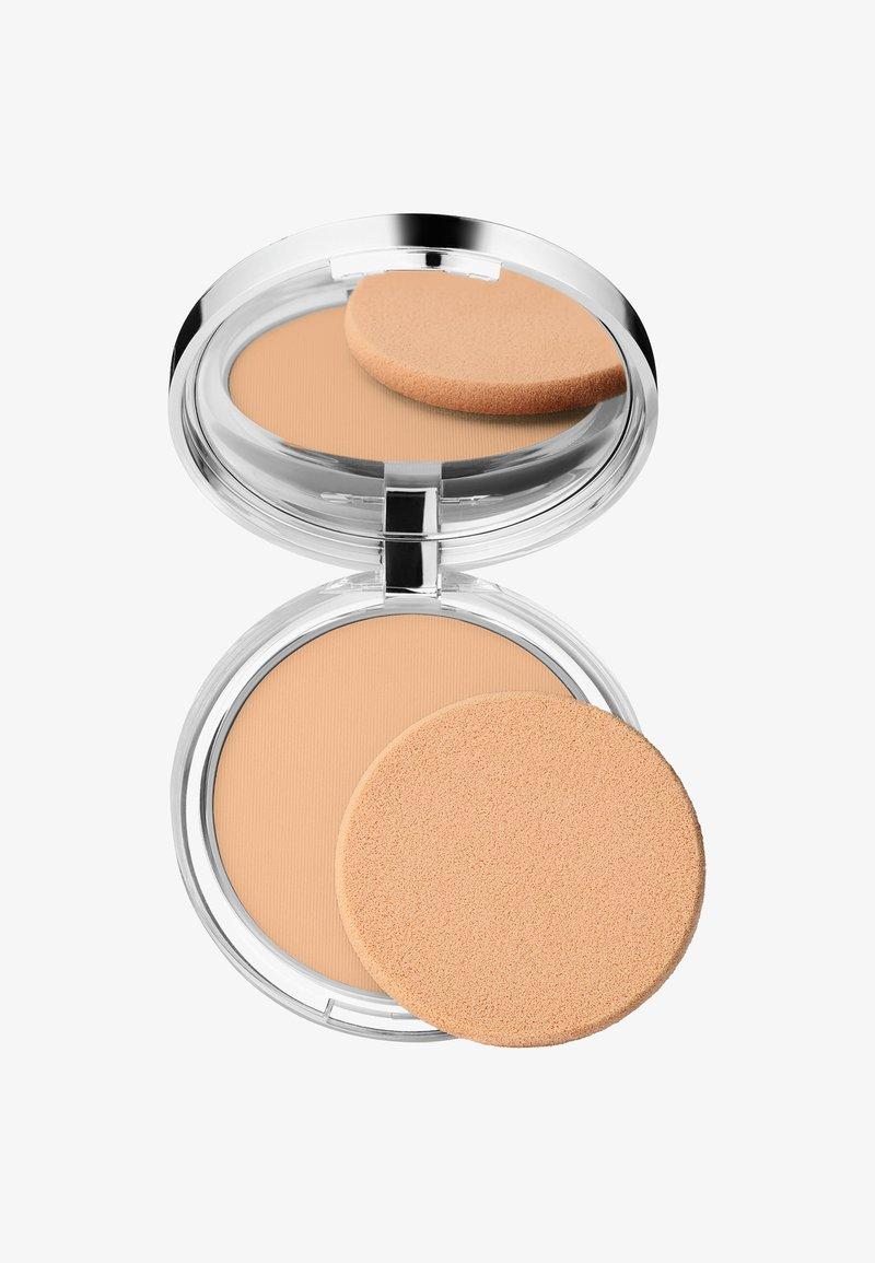Clinique - STAY-MATTE SHEER PRESSED POWDER - Powder - 03 stay beige