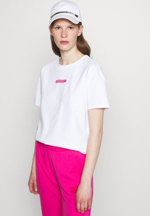 THE BOXY TEE - Print T-shirt - open miscellaneous