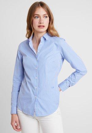 ESSENTIAL  - Button-down blouse - blue