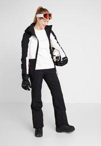 O'Neill - APLITE JACKET - Snowboard jacket - black out - 1