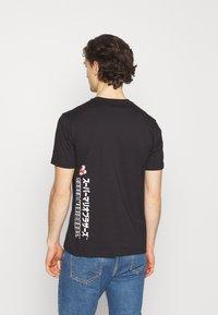 Champion Rochester - CREWNECK NINTENDO - T-shirt imprimé - black - 2