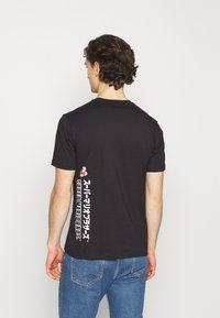 Champion Rochester - CREWNECK NINTENDO - Print T-shirt - black - 2