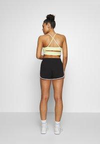 Reebok - SLIT SHORT - Pantalón corto de deporte - black - 2