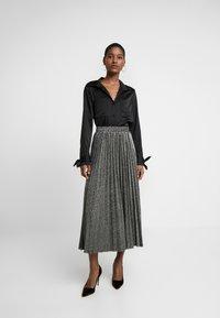 Guess - MARION SKIRT - Áčková sukně - black/silver - 1