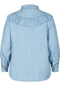 Zizzi - MIT RÜSCHEN - Button-down blouse - light blue - 5