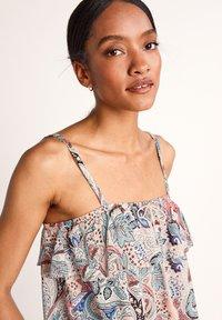 comma - MIT VOLANTS - Top - make up paisley - 6
