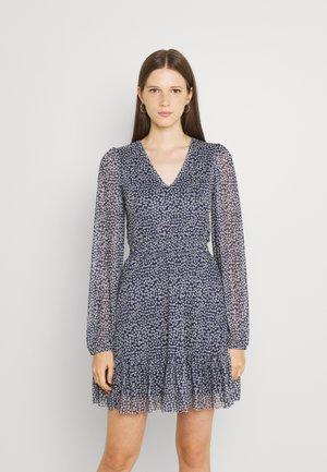 CINTERED V NECK ALL OVER MESH MINI VOLANT DRESS - Kjole - dark blue