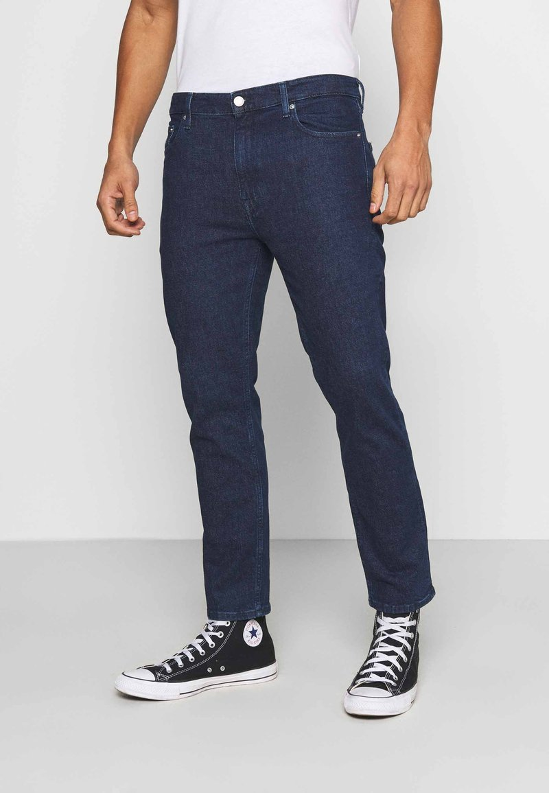 Tommy Jeans - DAD JEAN STRAIGHT - Jeans straight leg - oslo dark blue com