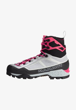 Mountain shoes - highway-dragonfruit