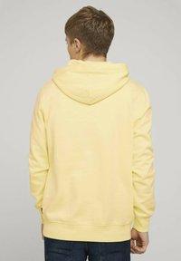 TOM TAILOR DENIM - Hoodie - cream yellow melange - 2