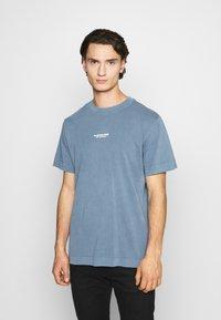 G-Star - REFLECTIVE LOGO LOOSE OD R T S\S - T-shirt med print - blue - 0