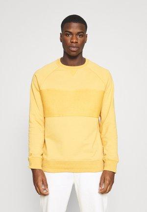 CHERVIL - Mikina - corn yellow