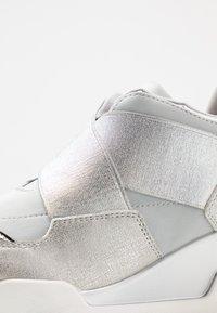 Mariamare - Sneakers - light grey/silver - 2