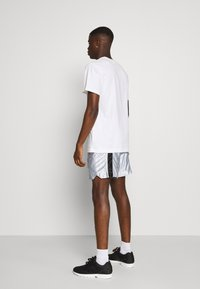 Grimey - ACKNOWLEDGE RUNNING  - Shorts - silver - 2