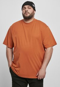 Urban Classics - T-shirt - bas - rustred - 1