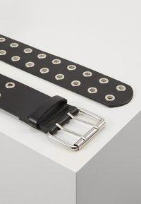 Pieces - PCMILA WAIST BELT - Belt - black/silver-coloured - 2