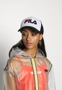 Fila - TRUCKER SNAP BACK - Casquette - black/bright white - 4