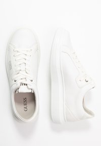 Guess - SALERNO II - Trainers - white - 1