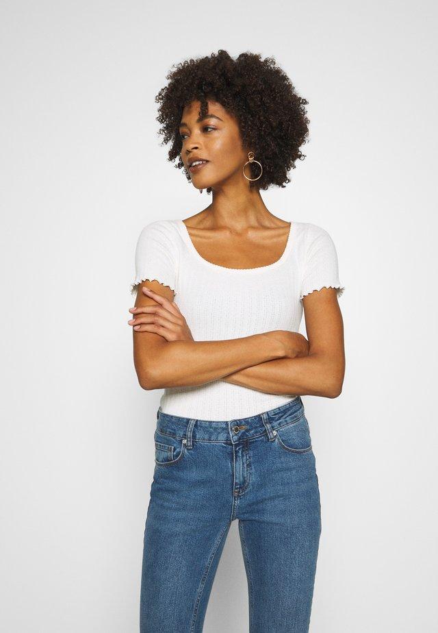 POINTELLE  - T-shirt imprimé - soft antique white