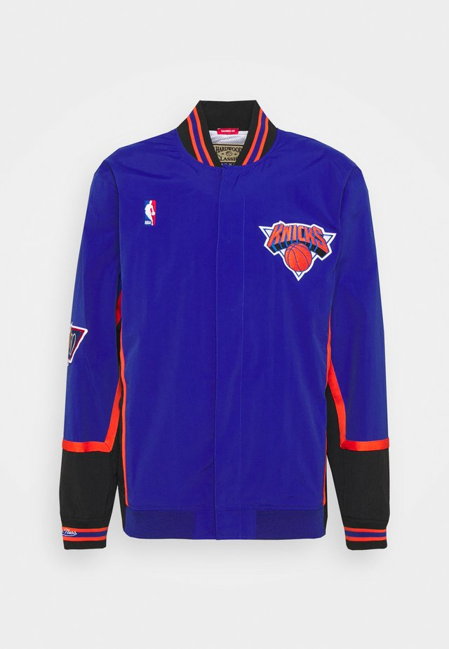 NBA NEW YORK KNICKS AUTHENTIC WARM UP JACKET - Klubbkläder - royal