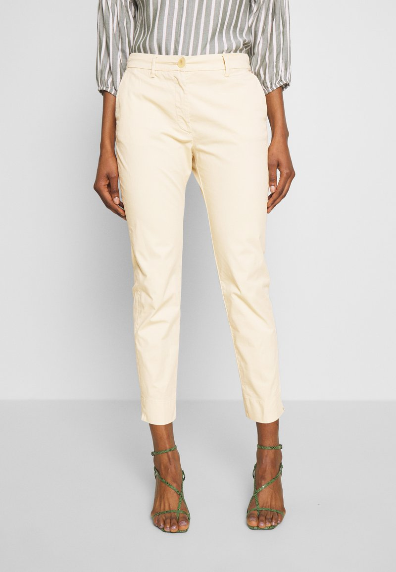 Rich & Royal - PANTS - Chinos - desert sand