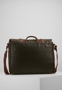 Pier One - Briefcase - oliv/cognac - 2