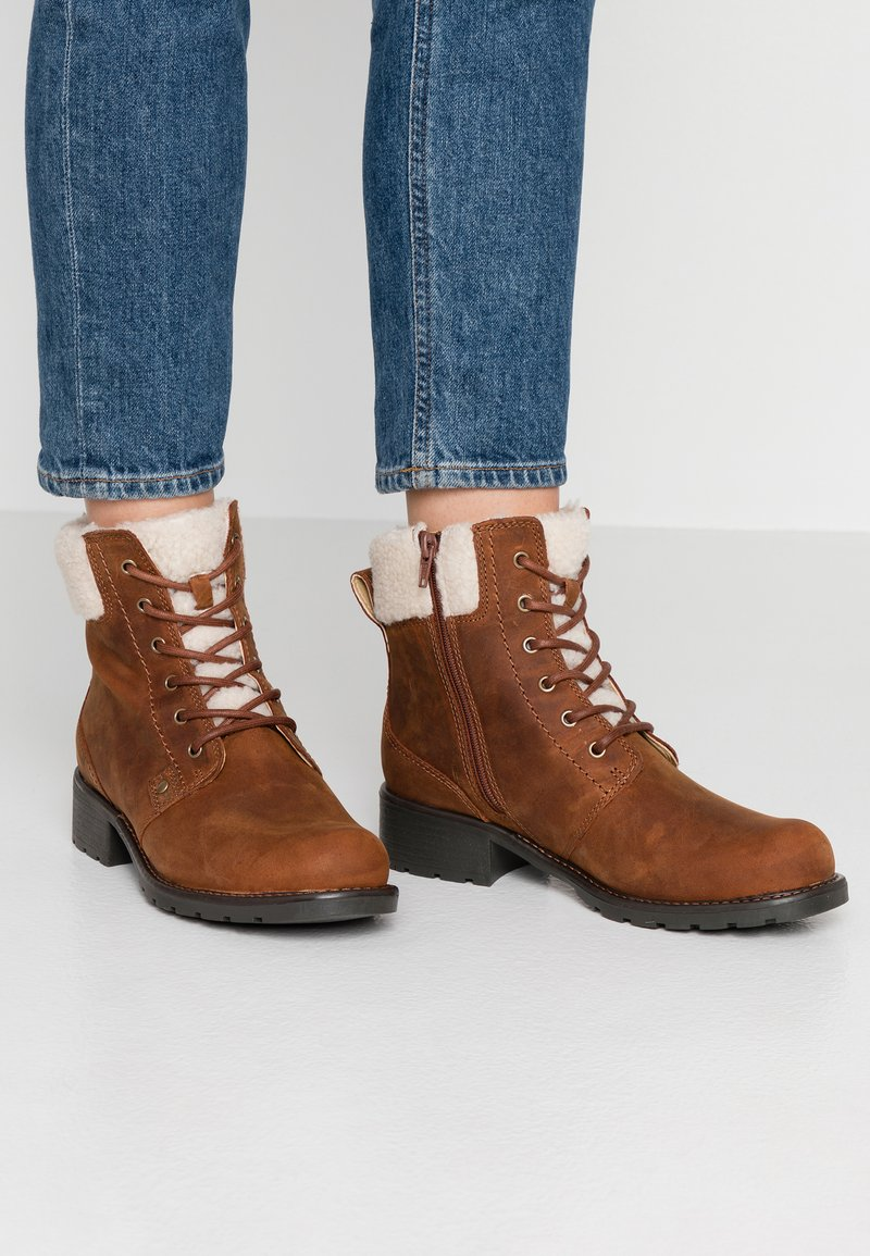 Clarks - ORINOCO DUSK - Lace-up ankle boots - tan