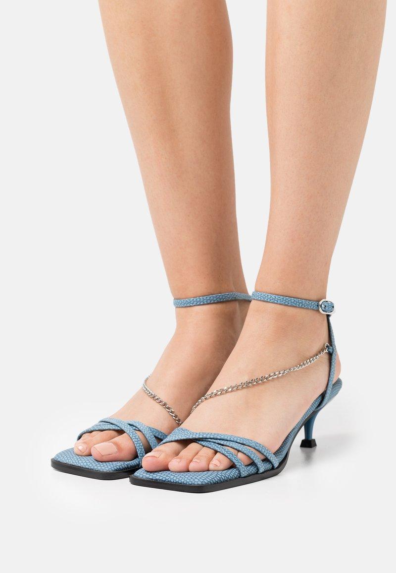 Topshop - NIMBLE LOW CHAIN  - Sandals - blue