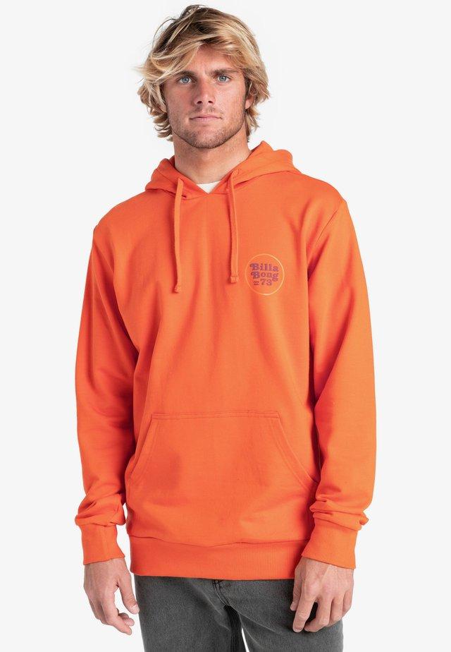 Felpa con cappuccio - dusty orange