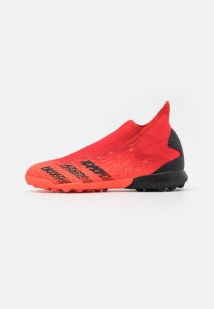 PREDATOR FREAK .3 TF - Astro turf trainers - red/core black/solar red