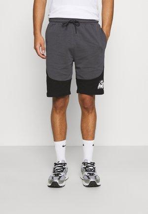 FRESWICK - Shorts - asphalt/jet black