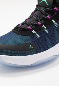 Jordan - JUMPMAN 2020 - Indoorskor - black/electric green/hyper violet/bright crimson - 5