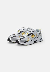 New Balance - 530 - Sneakers - white - 1