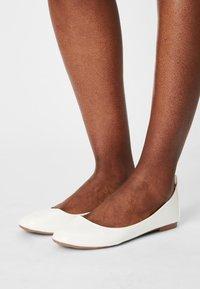 Even&Odd - Ballet pumps - white - 0