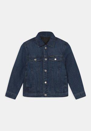 PADDED REVERSIBLE  - Denim jacket - mid blue rigid