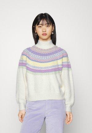 PCFEANA HIGH NECK - Trui - cloud dancer/pastel green/pale iris/yellow pear