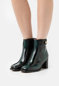 Alberta Ferretti - BOOT - Classic ankle boots - green - 0