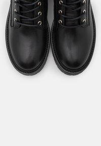 Steve Madden - TORNADO - Lace-up ankle boots - black - 5