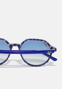 Ray-Ban - UNISEX - Sunglasses - vichy blu/white - 3