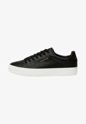 MIT KOORDINATEN  - Sneakers - black