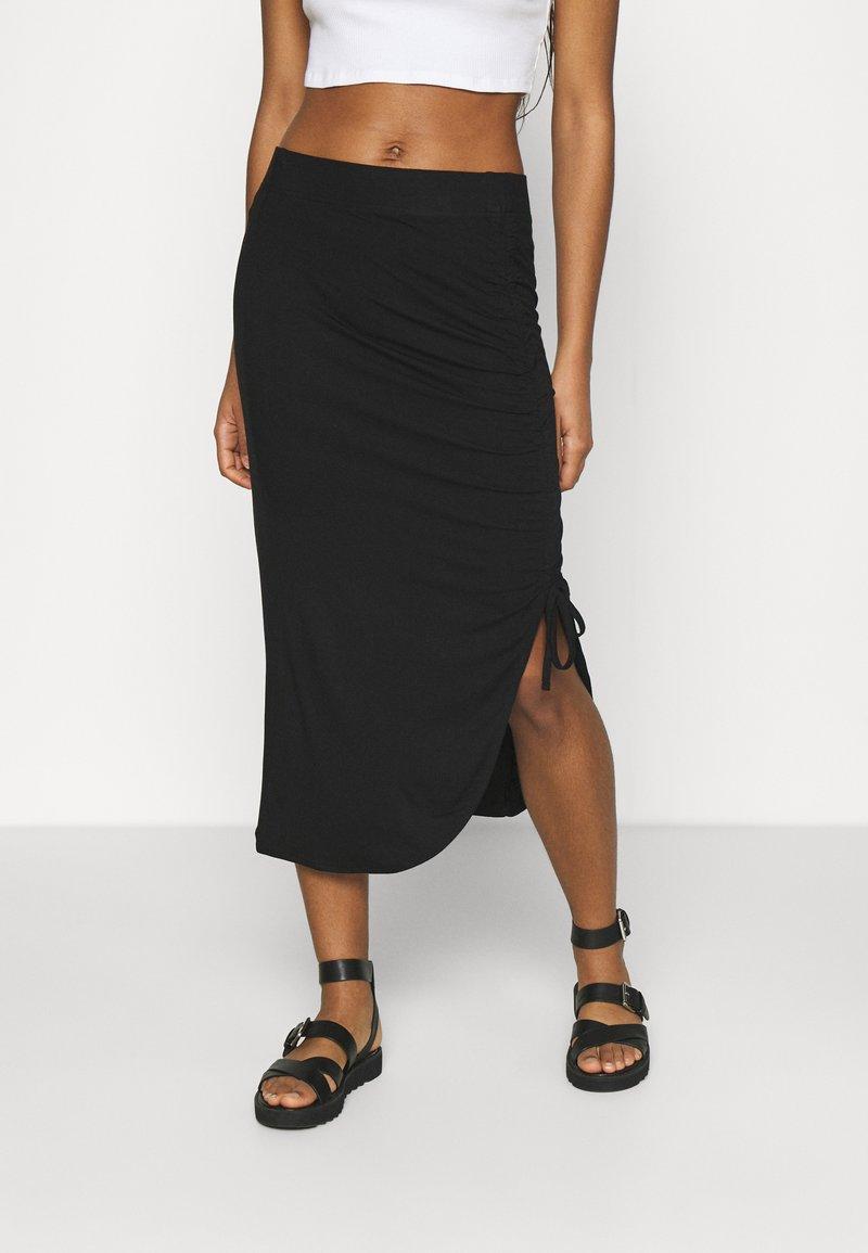 Pieces - PCNEORA STRINGSKIRT - Pouzdrová sukně - black
