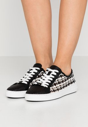 OLIVIA LACE UP - Sneakersy niskie - black