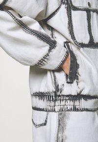 Alberta Ferretti - JACKET - Džínová bunda - white - 5