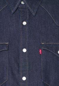 Levi's® - BARSTOW WESTERN SLIM - Shirt - med indigo - 2