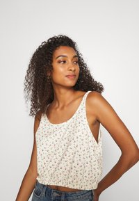 Levi's® - JUST PEACHY CAMI - Toppi - cyprine tofu - 3
