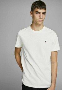 Royal Denim Division by Jack & Jones - JJ-RDD CREW NECK - T-shirt basic - white - 5