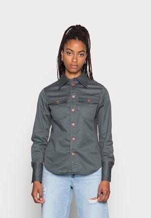 KICK BACK SHIRT - Button-down blouse - graphite