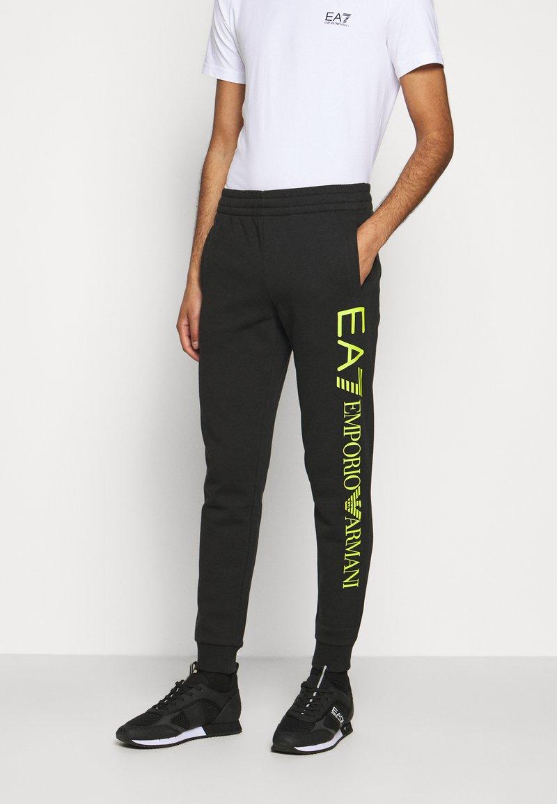 EA7 Emporio Armani - Verryttelyhousut - black