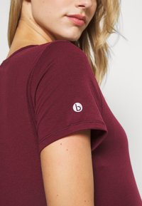 Cotton On Body - MATERNITY GYM TEE - Basic T-shirt - mulberry - 5