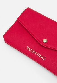 Valentino by Mario Valentino - SOFT COSMETIC CASE - Toalettmappe - rosso - 3